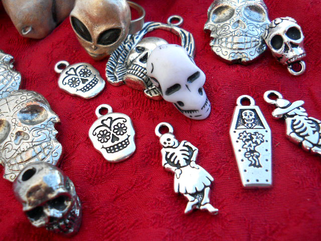 growing Skull Collection Beading Yogini