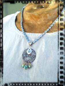 Pendant BE PEACE 1 by The Beading Yogini