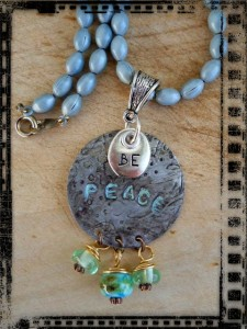 Pendant BE PEACE 2 by The Beading Yogini