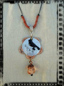 Pendant SOAR 1 by The Beading Yogini