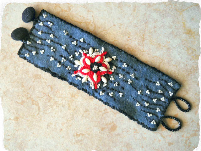DEC ABS 2012 C by The Beading Yogini